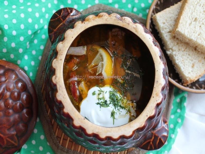 Суп солянка в горшочке