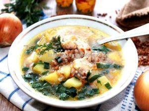 Готовый суп с гречкой и курицей