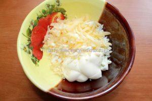 Сыр с яйцами