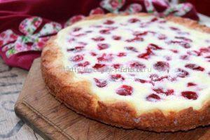 Пирог можно посыпать сахарной пудрой