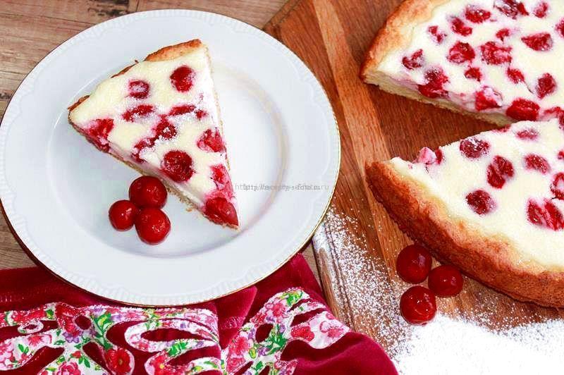 пирог с вишней в заливке из сметаны