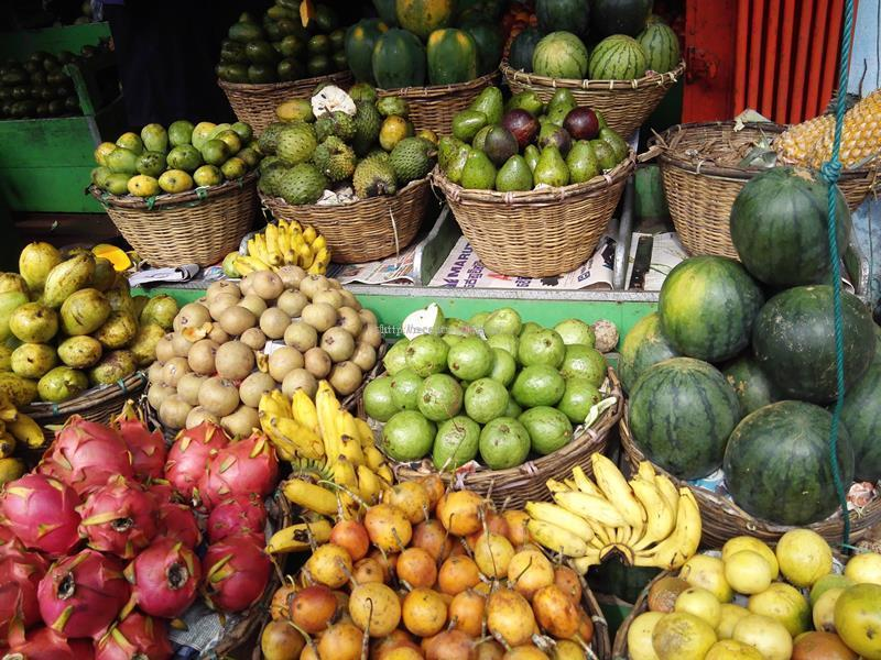 Плоды маракуйи на рынке Шри-Ланка