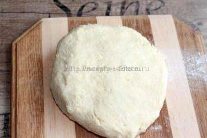 Замешиваем тесто для печения