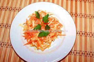 Готовый салат украшаем по вкусу