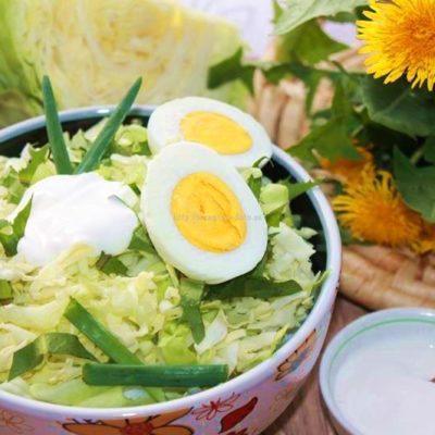 красивый салат из одуванчиков