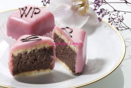 Пирожное Пуншкрапфен