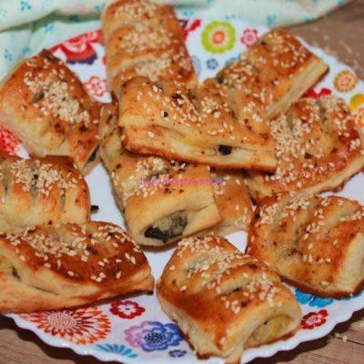 Слоеные пирожки с картошкой