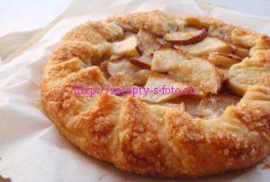 рецепт со слоеным тестом пирог