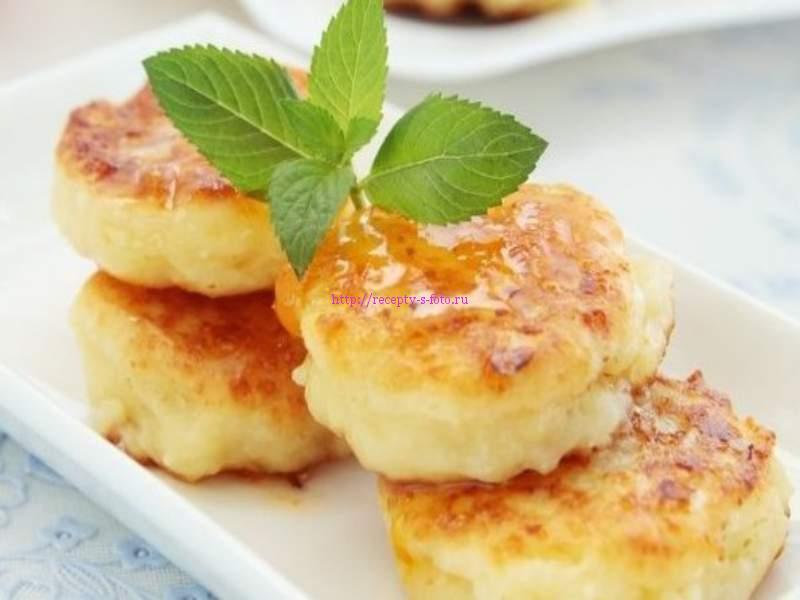сырники на блюде