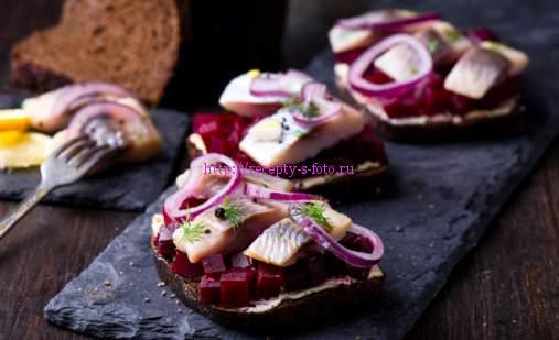 бутерброды со свеклой