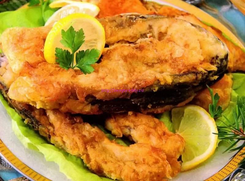 рыба жареная с лимоном