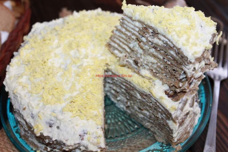 разрез торта печеночного