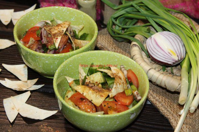 салат со свежей зеленью