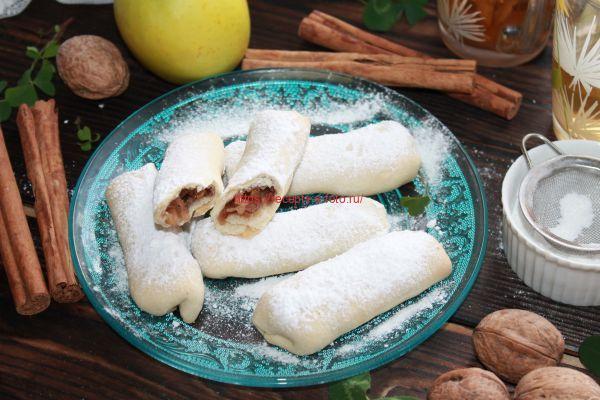 печение с яблоками