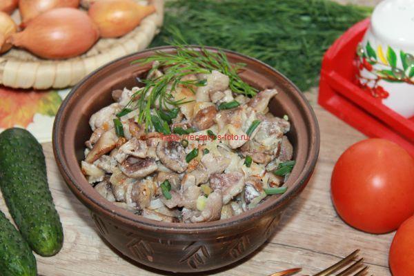 готовим маслята жаренные на сковороде со сметаной