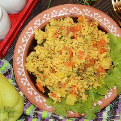 Кабачок с рисом на сковороде